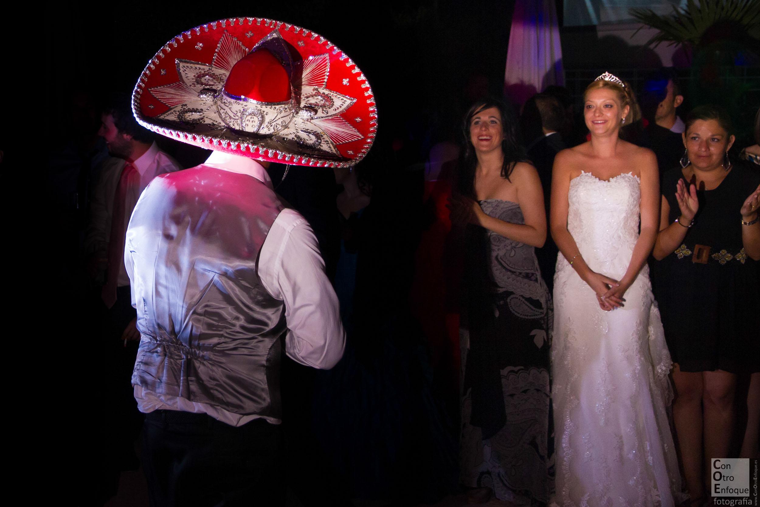 enamorados. Boda-Carrizosa-Ciudad Real-La Mancha-wedding-Spain-love-bridal-bride-song