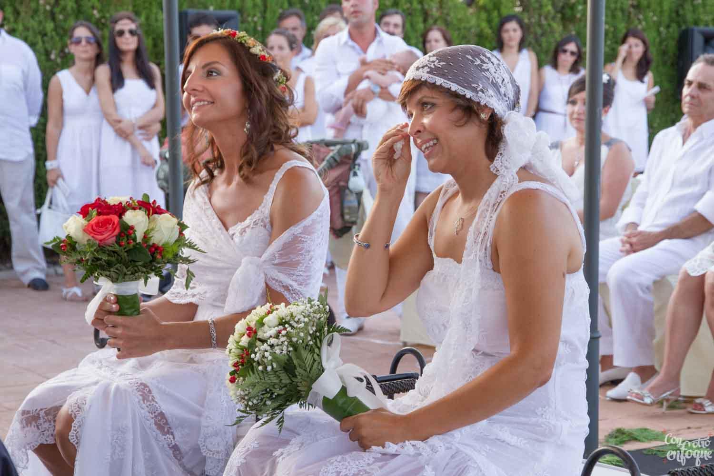 boda estilo ibicenco. Boda de dos chicas en Valencia.