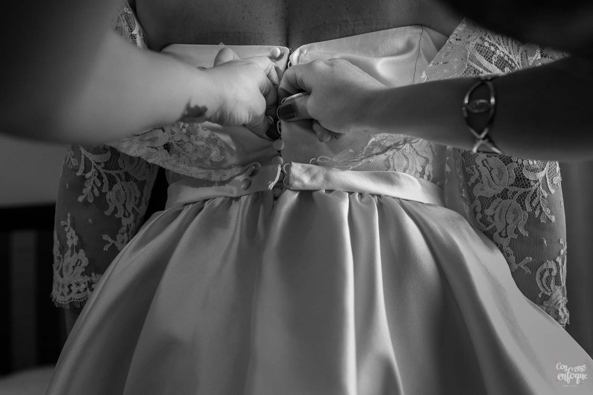 vestido de novia para boda en hotel adhoc bétera