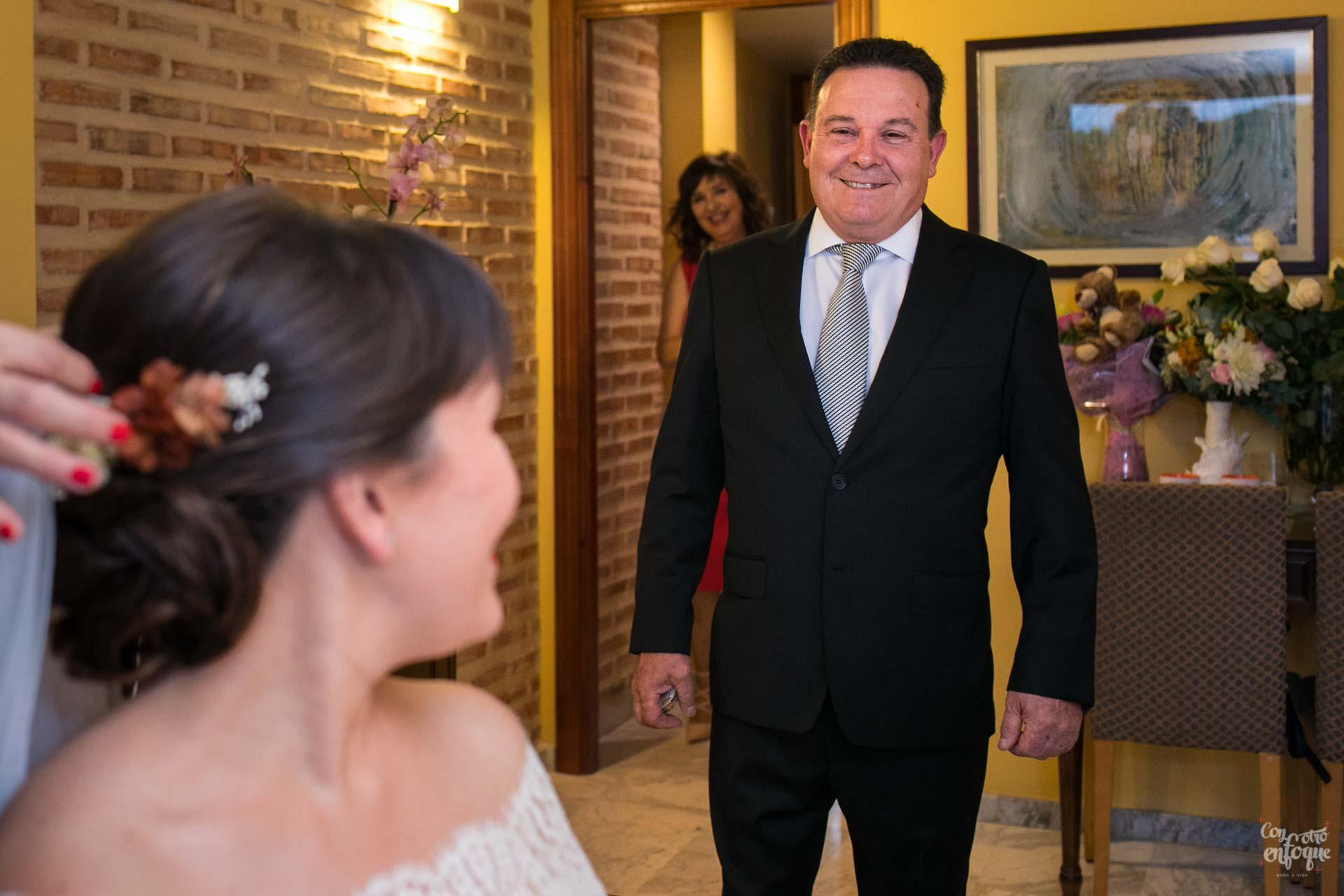 padre y novia boda en hotel adhoc bétera