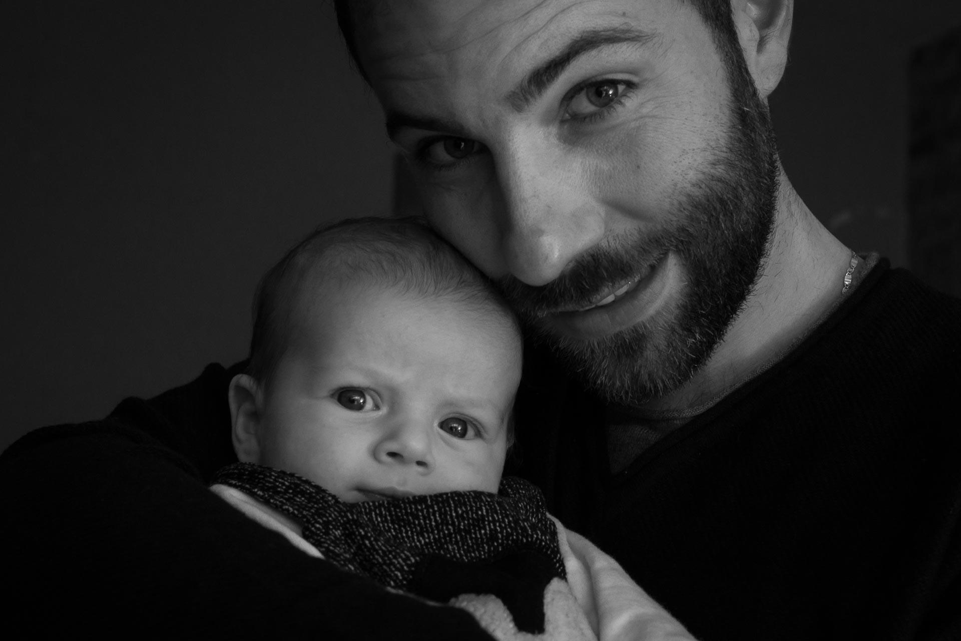 papá y su bebé en Valencia. Fotos de bebé naturales
