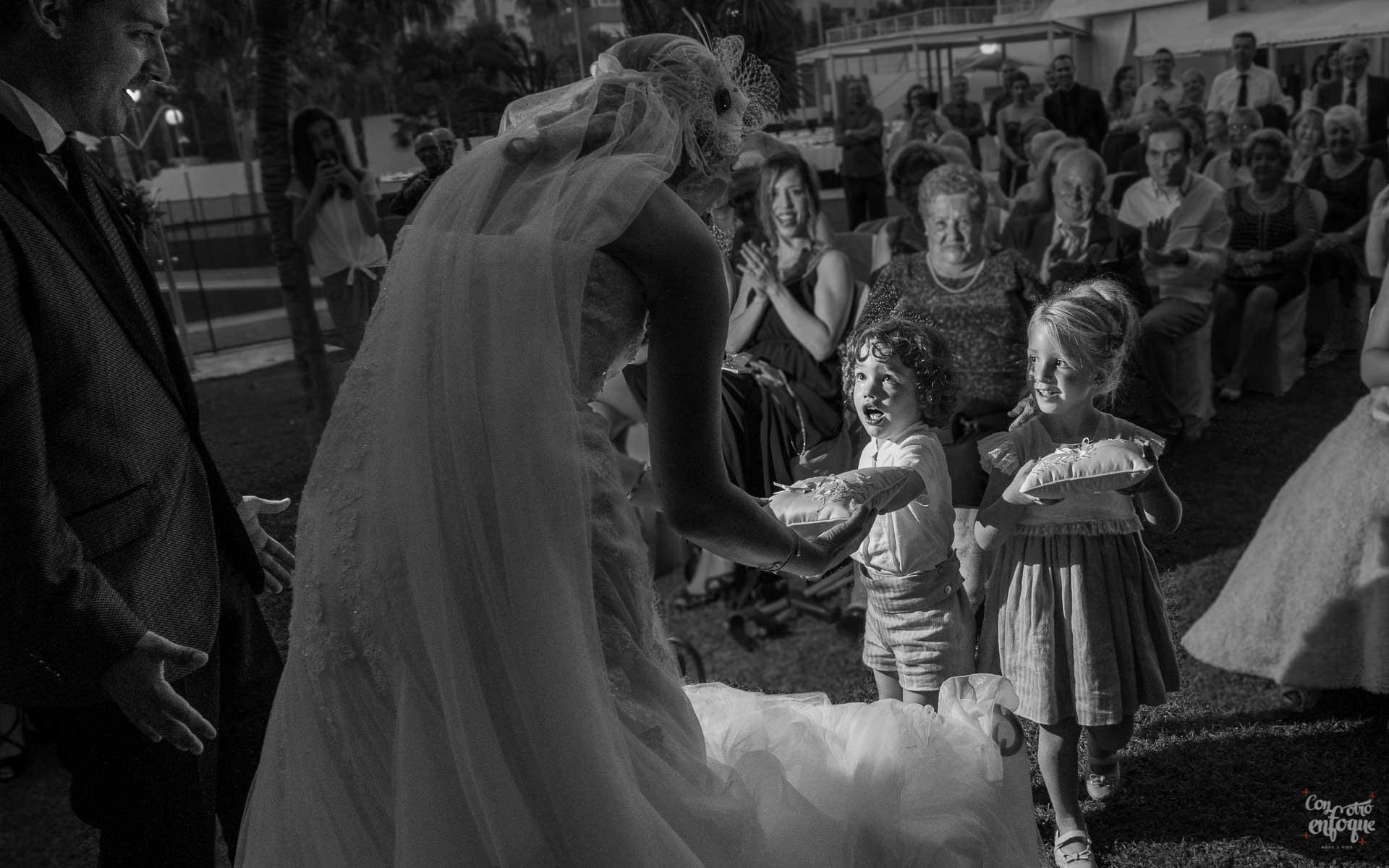 Fotógrafos de boda en Valencia. Boda civil en Valencia