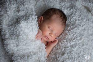 recién nacido natural poses naturales